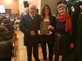 Anna Negro con Antonello Velardi e la relatrice della tesi Maria D'Amborsio