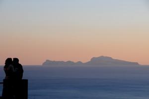 vista su Capri da via Luca Giordano
